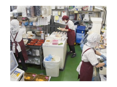最高で、1日530万円を売り上げた店舗も!日本全国で10万人が利用する、人気惣菜店です。