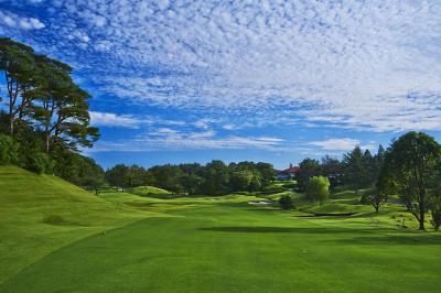 美しい景色に囲まれて。ゴルフのアフタータイムのアルバイト♪シフト自由!気軽にご相談ください★