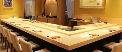 マレーシア・クアラルンプールにあり5つ星ホテルにある超高級鮨店。